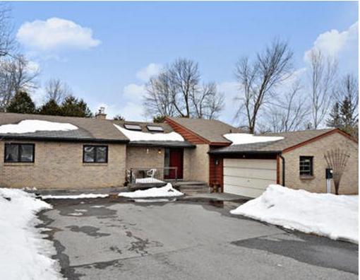 3+1 bedroom bungalow in Riverside South $529,900