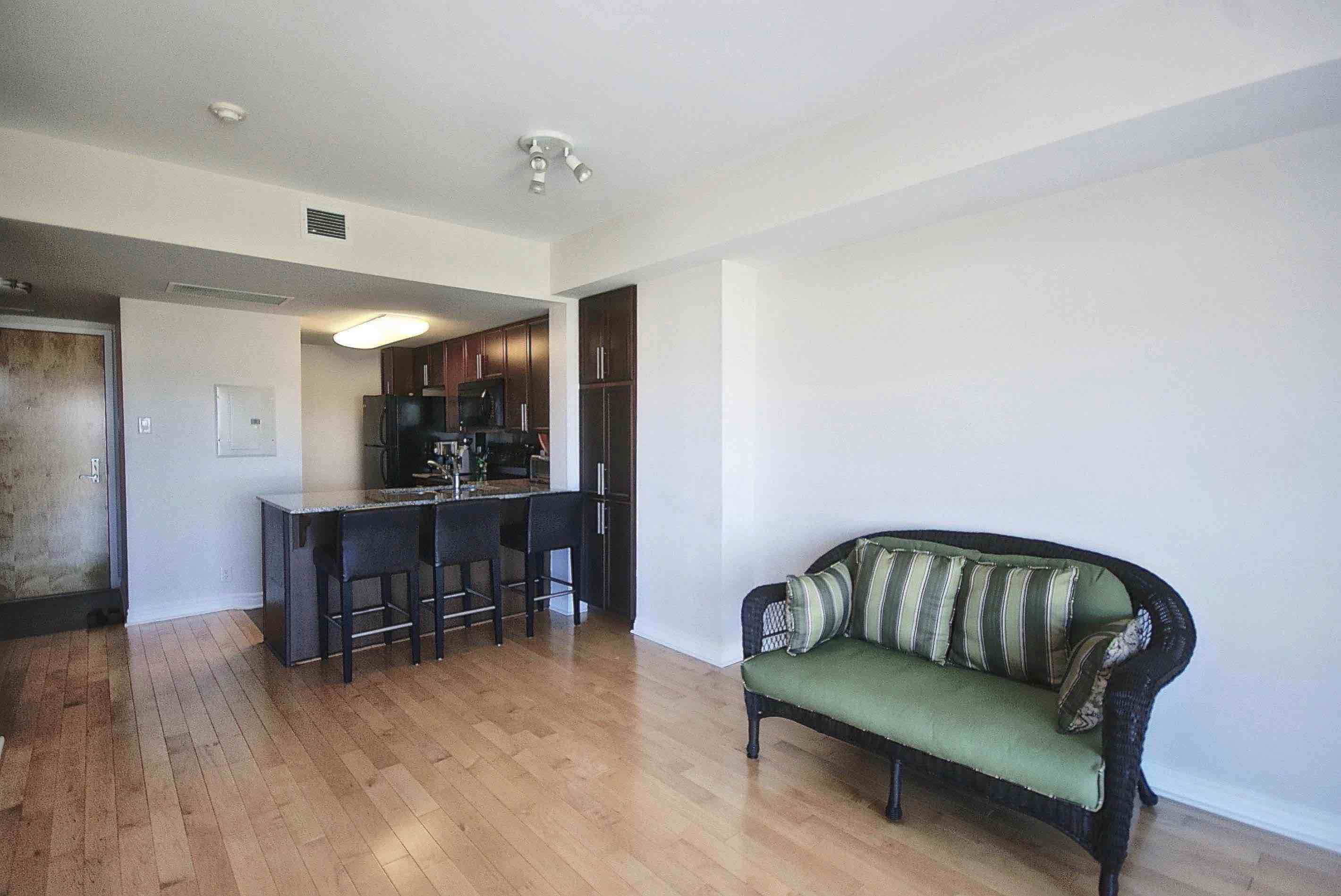 1 Bedroom Bedrooms, 1 Room Rooms,1 BathroomBathrooms,Condo - Apartment,For Rent,1030